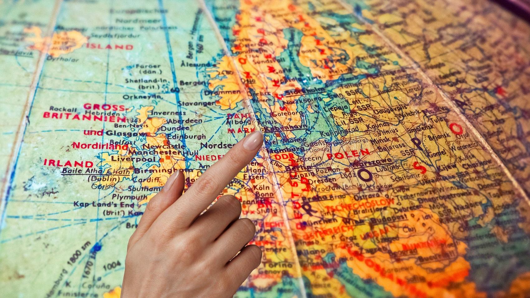 map-3656375_1920